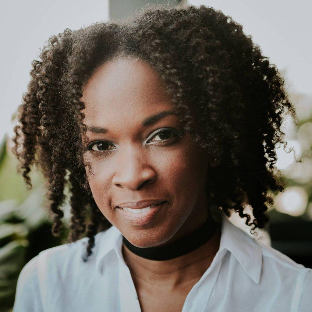 Dawn-Marie Nesbitt, of I am Dawn-Marie –– 20 Expert Tips: Sell Services Online