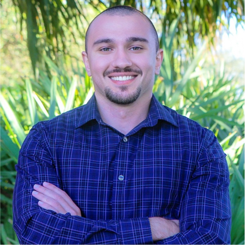 Sean Dudayev, Frootful Marketing –– 20 Expert Tips: Sell Services Online